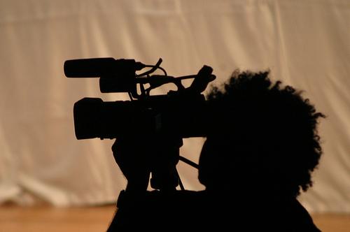 Por um cinema descentralizado e livre da indústria da produção e da distribuição